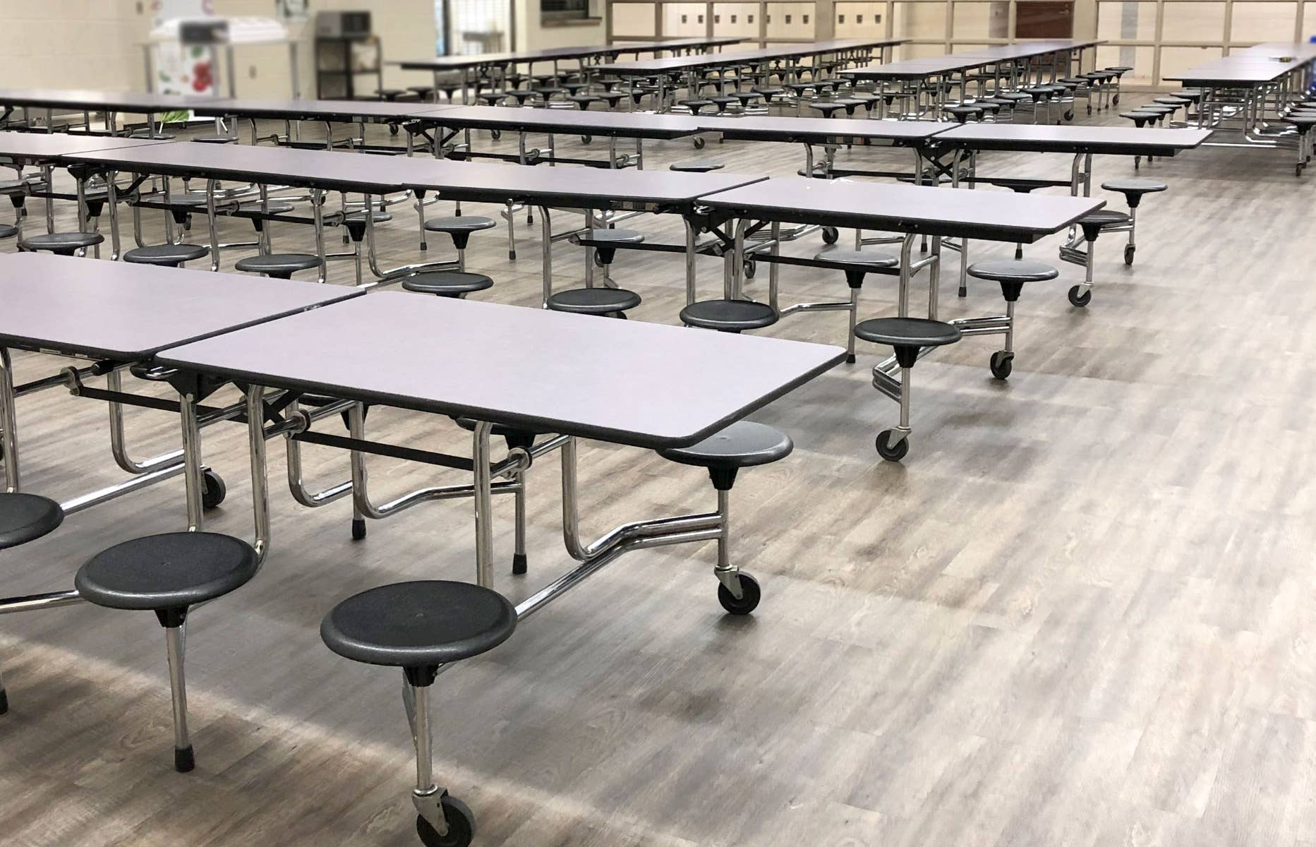 How to Renovate Cafeteria Tables - Finished tables